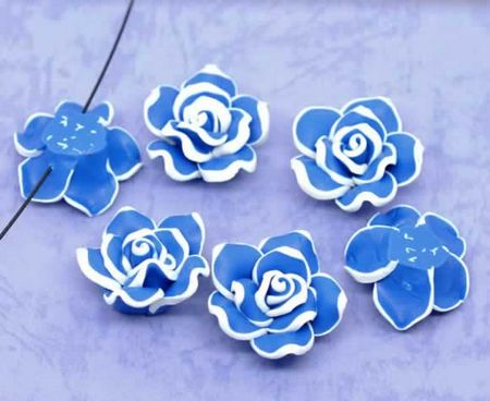 1x Fimo roos blauw/wit 3 cm