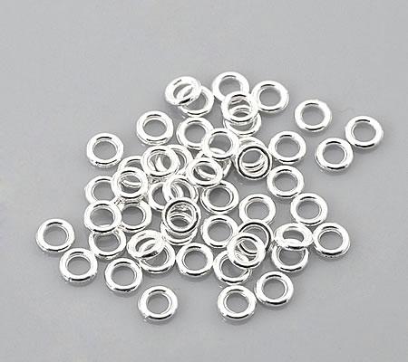 100x Gesloten Ring Licht zilver 4 mm
