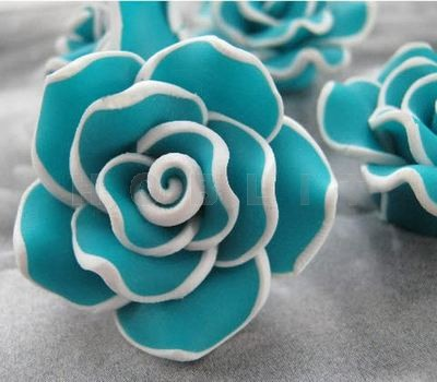 Fimo Roos Turquoise/Wit 3 cm