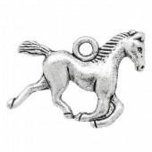 1x Bedeltje Paard Donker Zilver
