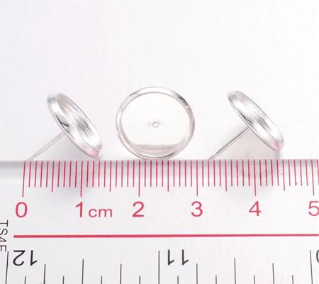 1 Paar oorstekertjes cabochon plakvlak licht zilver