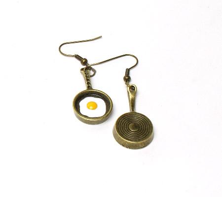 1 Paar oorbelletjes Brons Pannetje